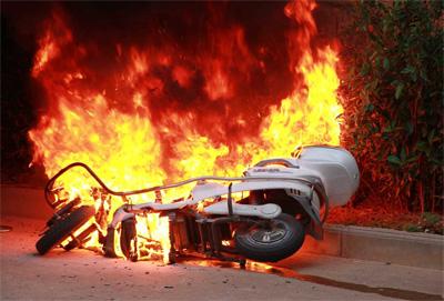 公安部:加强居民区电动车火灾防范工作